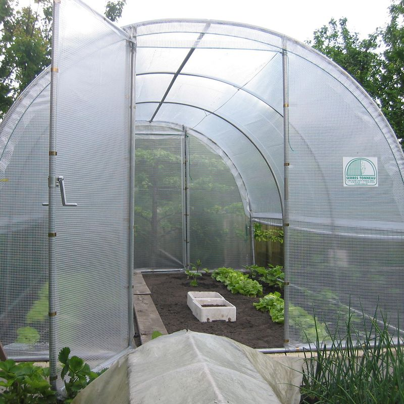 serre jardiniere avec aeration manivelles ferme de sainte marthe. Black Bedroom Furniture Sets. Home Design Ideas